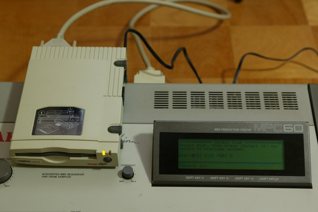 09_Select_it_SCSI_DISK